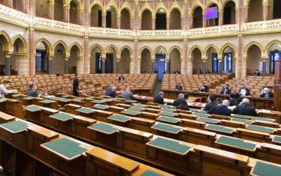 A Kormány 104/2021. (III. 5.) Korm. rendelete a védelmi intézkedések ideiglenes szigorításáról